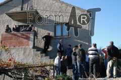 Kuća Antuna Simatovića koristila se kao baza za branitelje s područja Brašine i Petrače, a bila je uništena nakon okupacije Župe dubrovačke