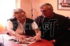 Gospođa Orlandini u albumu čuva fotografije Milana Jejine i suboraca iz ratnih dana