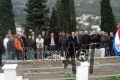 Zajednička fotografija Sinjana i Dubrovčana na sustjepanskom groblju